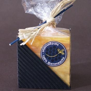 Bougie carrée, couleur ambre, marbrée, dimensions: L 8 x l 8 x h 8 cm