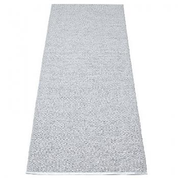 Pappelina Teppich Svea, Grau/Metallic, Softvinyl-Bandgewebe, L 160 x B 70 cm