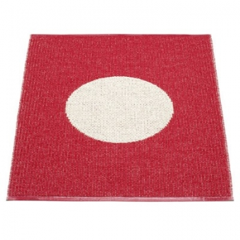 Pappelina Carpet Vera, small, cherry/vanilla, softvinyl-bandweave, l 90 x w 70 cm