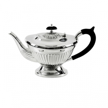 Edzard Tea Pot Queen Anne small, shiny QualiPlated® with silver/Bakelite, capacity 0.9 l