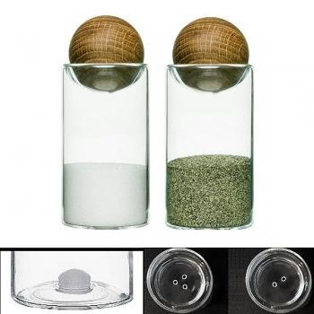 Sagaform Design Pfefferstreuer/Salzstreuer-Set, mundgeblasenes Glas mit Eichenholzkugeln, H 11,5 x Ø 5 cm