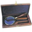 Loupe, laiton poli avec manche en bois, grossissement 3 fois, dimensions: L 23 x l 10 cm, en coffret de bois de rose